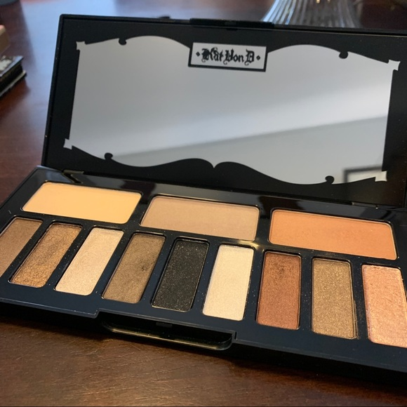 Kat Von D Shade & Light glimmer eye palette